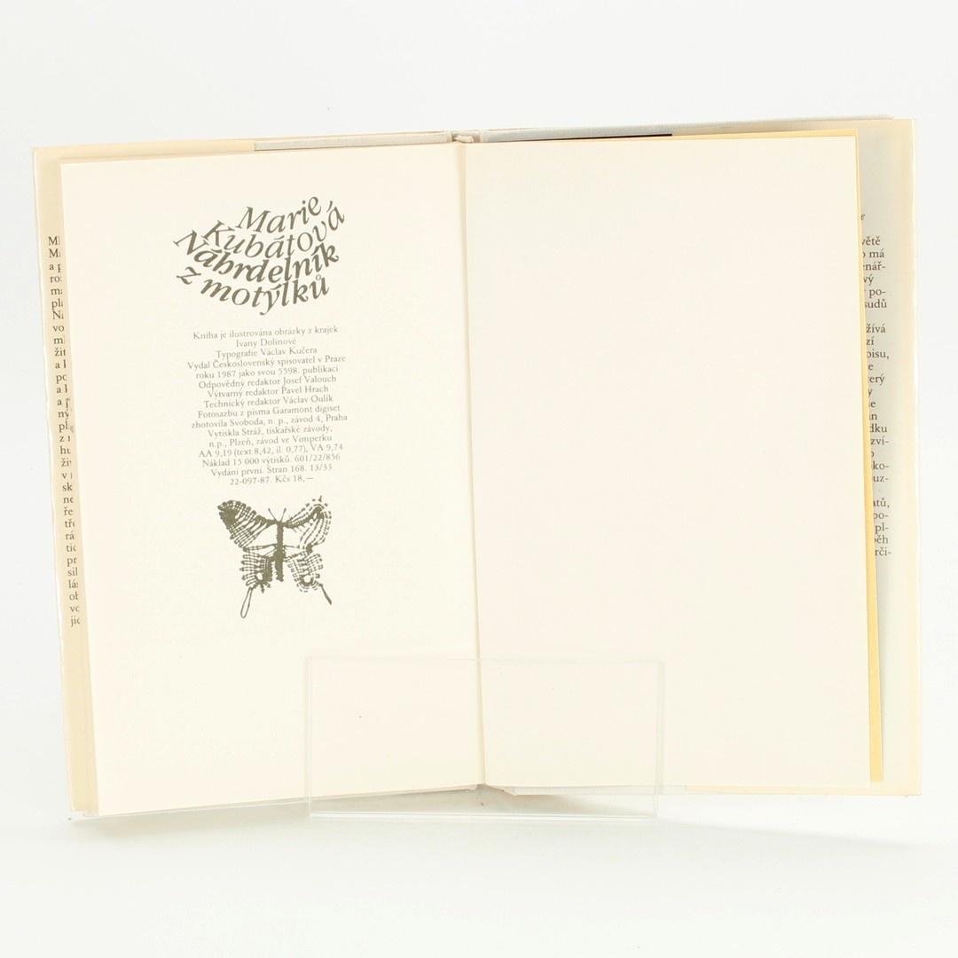 Kniha Náhrdelník z motýlků Marie Kubátová