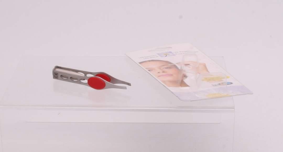 Pinzeta na řasy s LED diodou