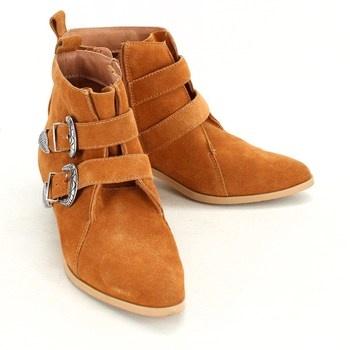 Kotníkové boty Promod s přezkami
