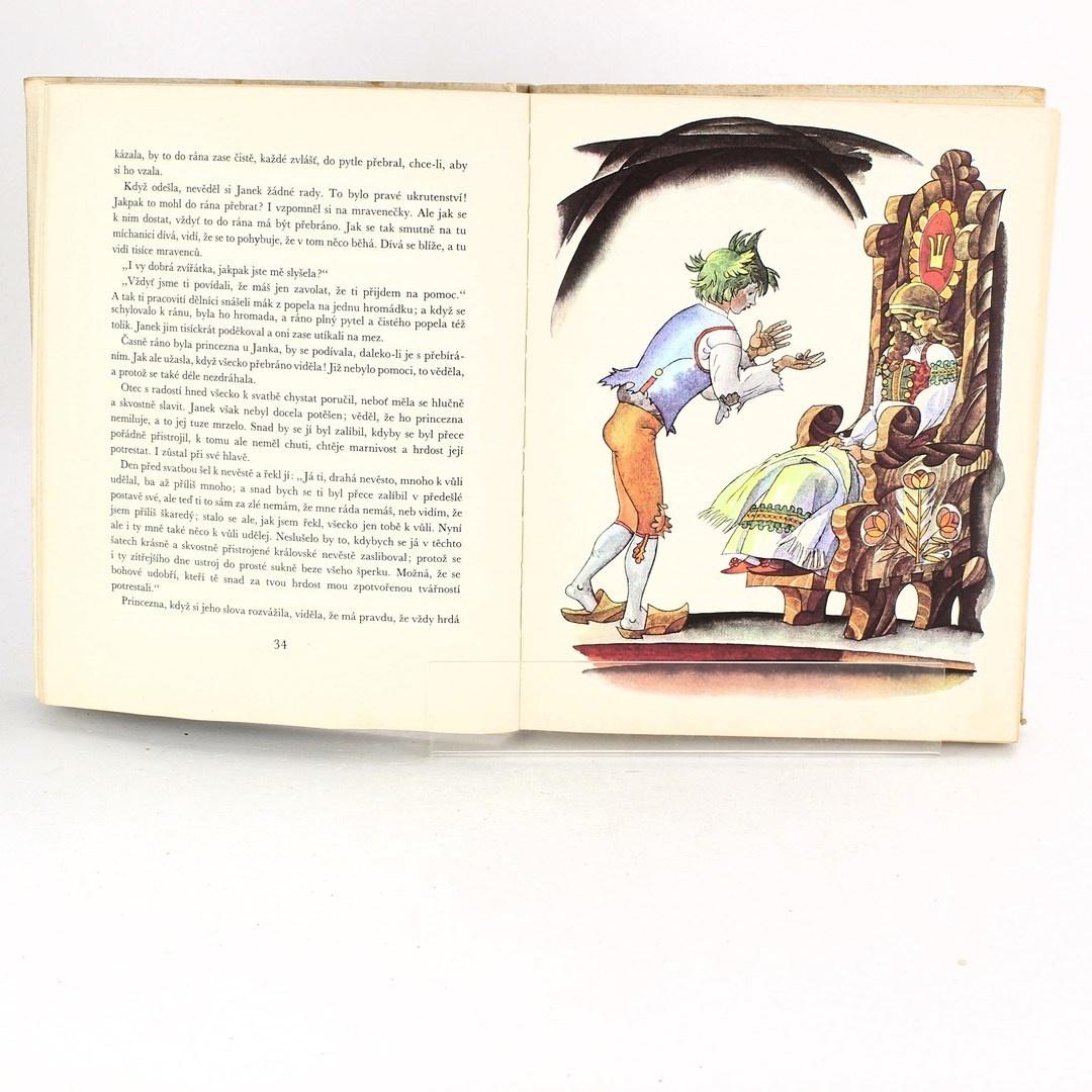 Kniha Stříbrná kniha pohádek