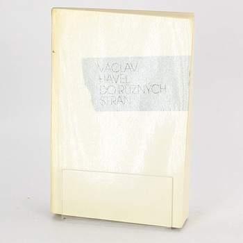 Kniha Václav Havel do různých stran
