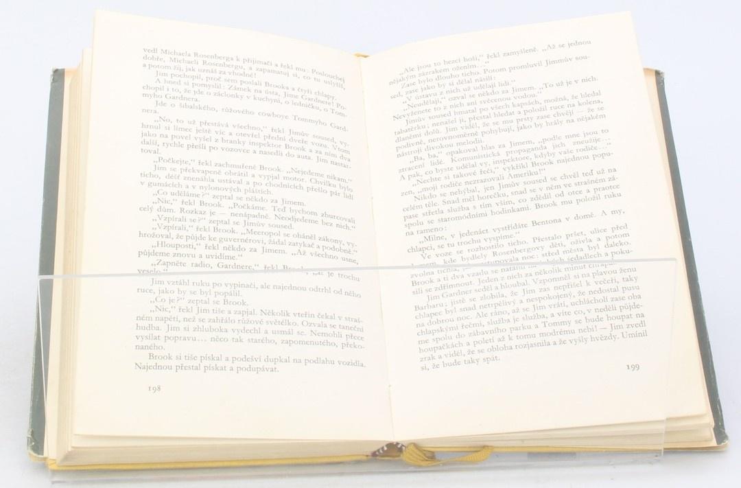 Kniha Petr Karvaš: Čert nespí