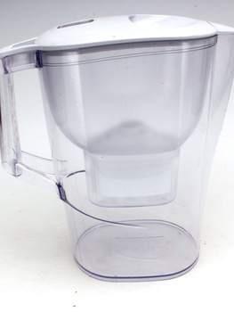 Filtrační konvice na vodu Brita