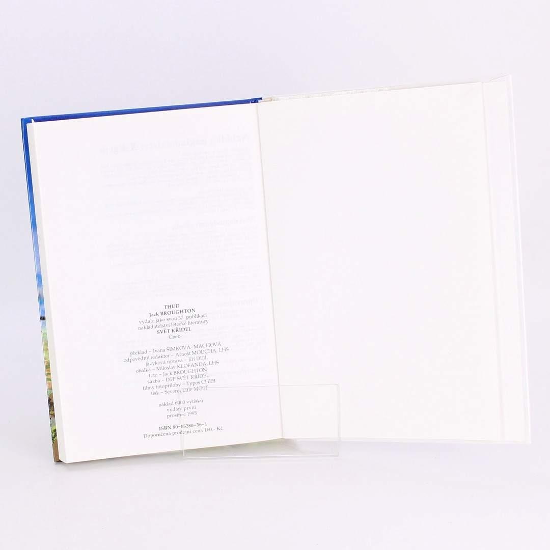Kniha Thud! J.M.Broughton