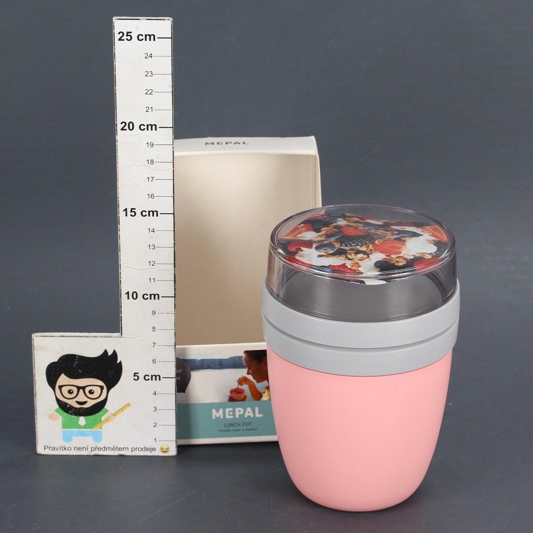 Plastový pohárek na nápoje
