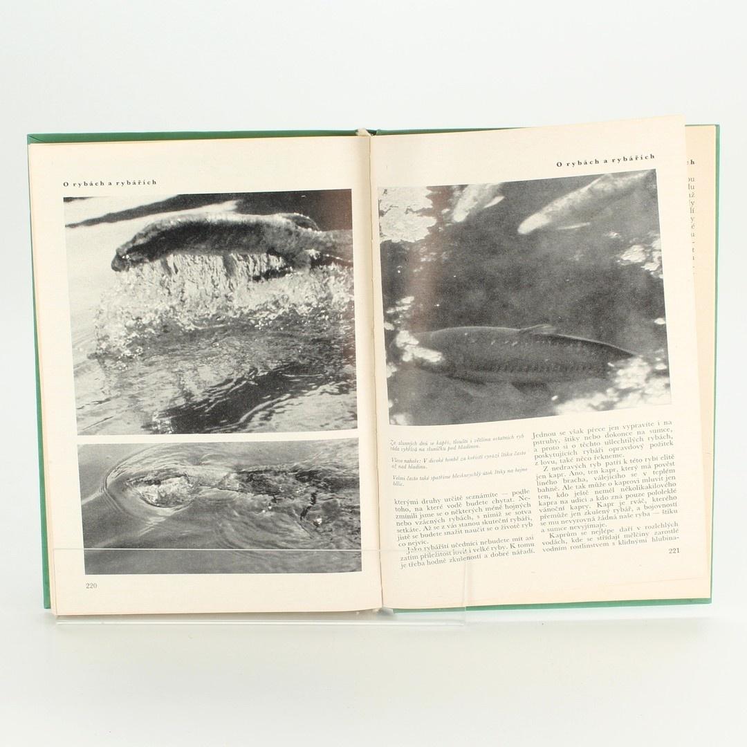 Naučná kniha Mladým lovcům  Jánuš Koudelka