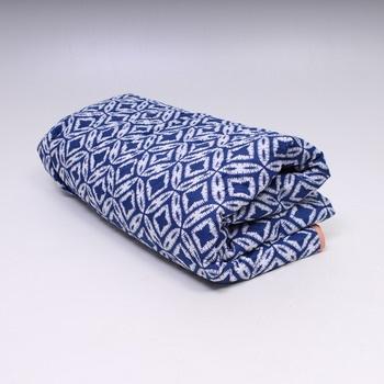 Přehoz na postel Bedsure modro-bílý