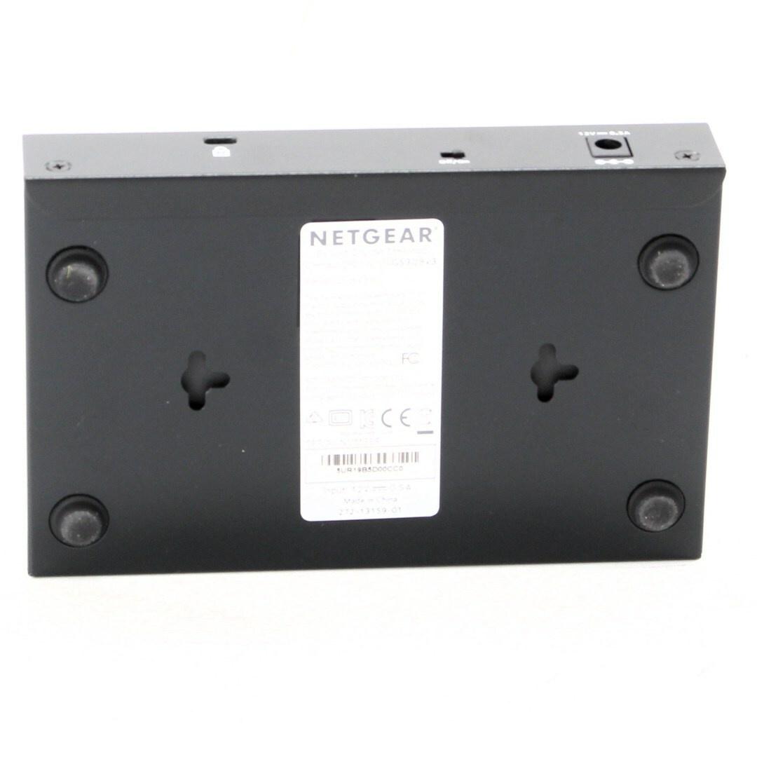 Switch Netgear FS308 8 portový černý