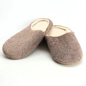 Zimní chlupaté pantofle Zuq