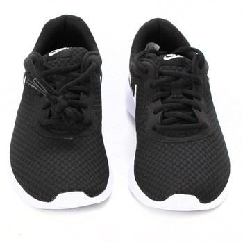Sportovní obuv Nike Tanjun černá