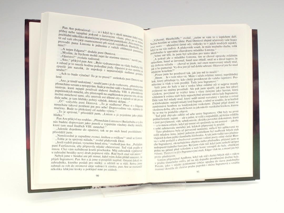Kniha L. Sargeantová: Heathellifův návrat