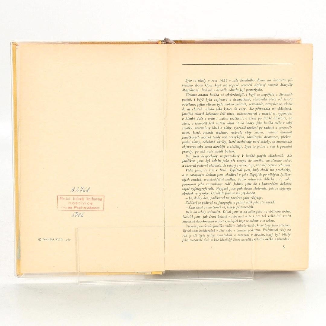 Kniha Po zarostlém chodníčku