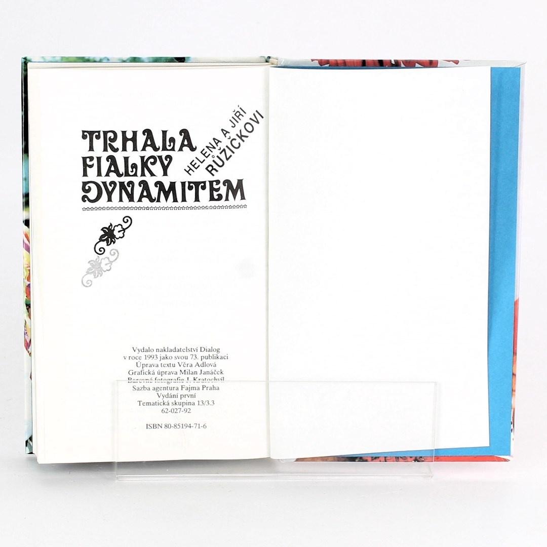 Kniha Trhala fialky dynamitem