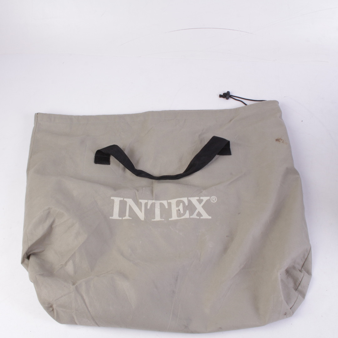 Nafukovací matrace Intex