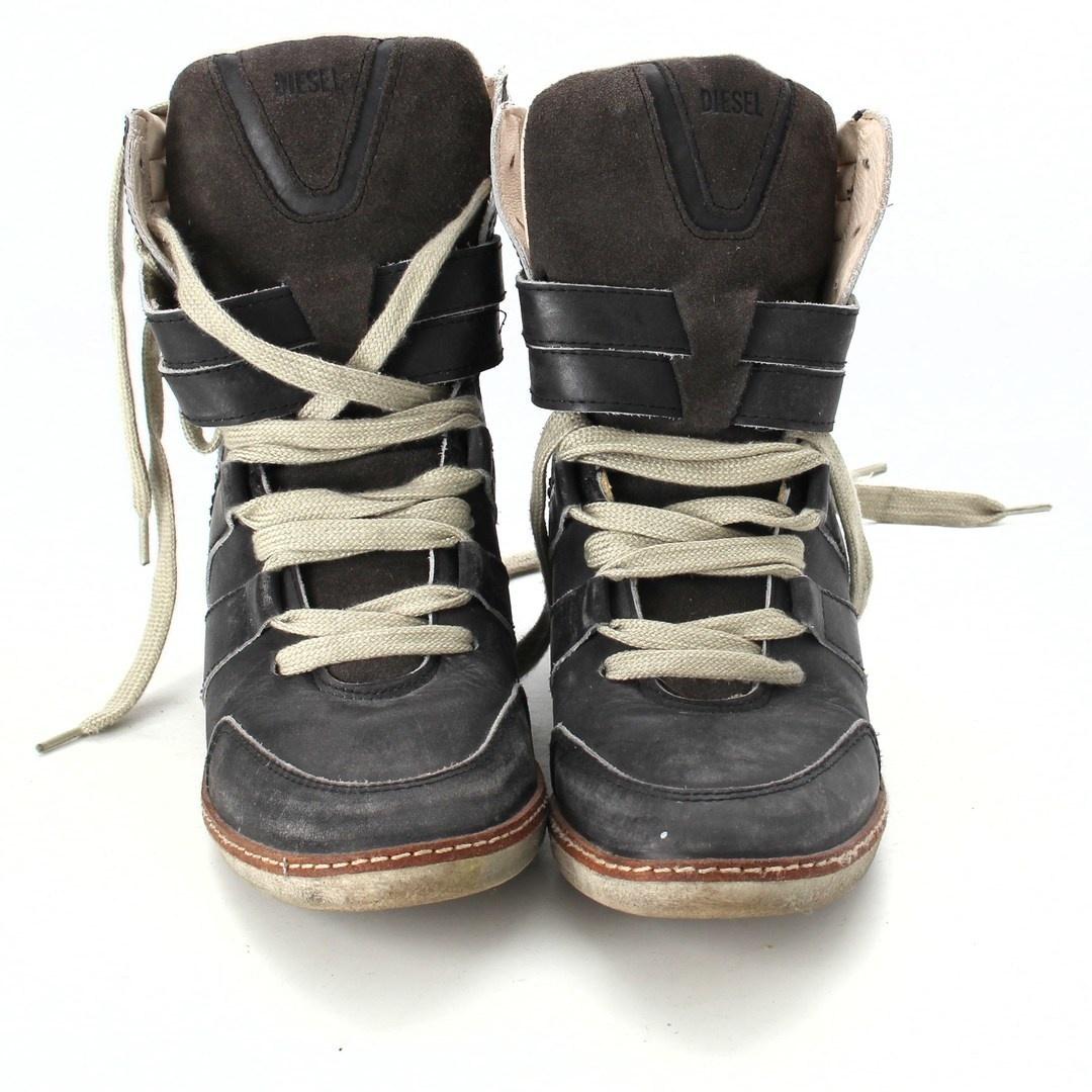 Dámské boty na klínku