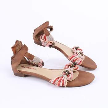 Dámské sandále Bullboxer s korálky