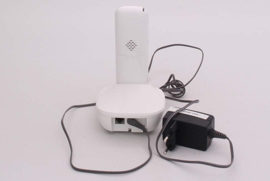 Bezdrátový telefon Panasonic KX-TG5511FXW