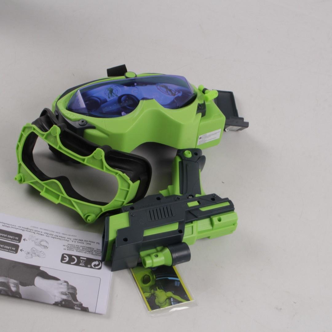 Brýle s virtuální realitou a laserová zbraň