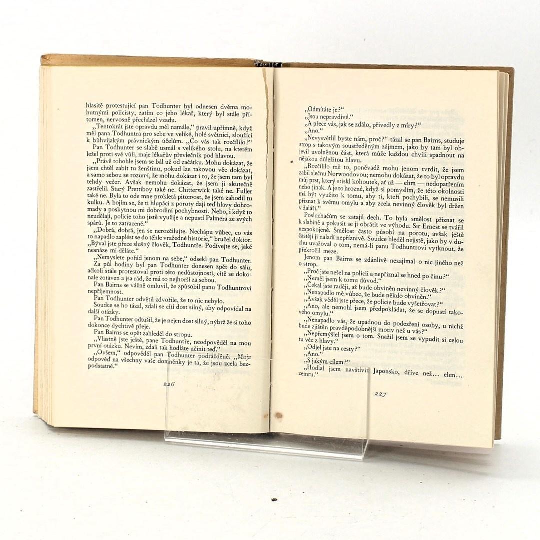 Kniha Anthony Berkeley: Přelíčení a omyl