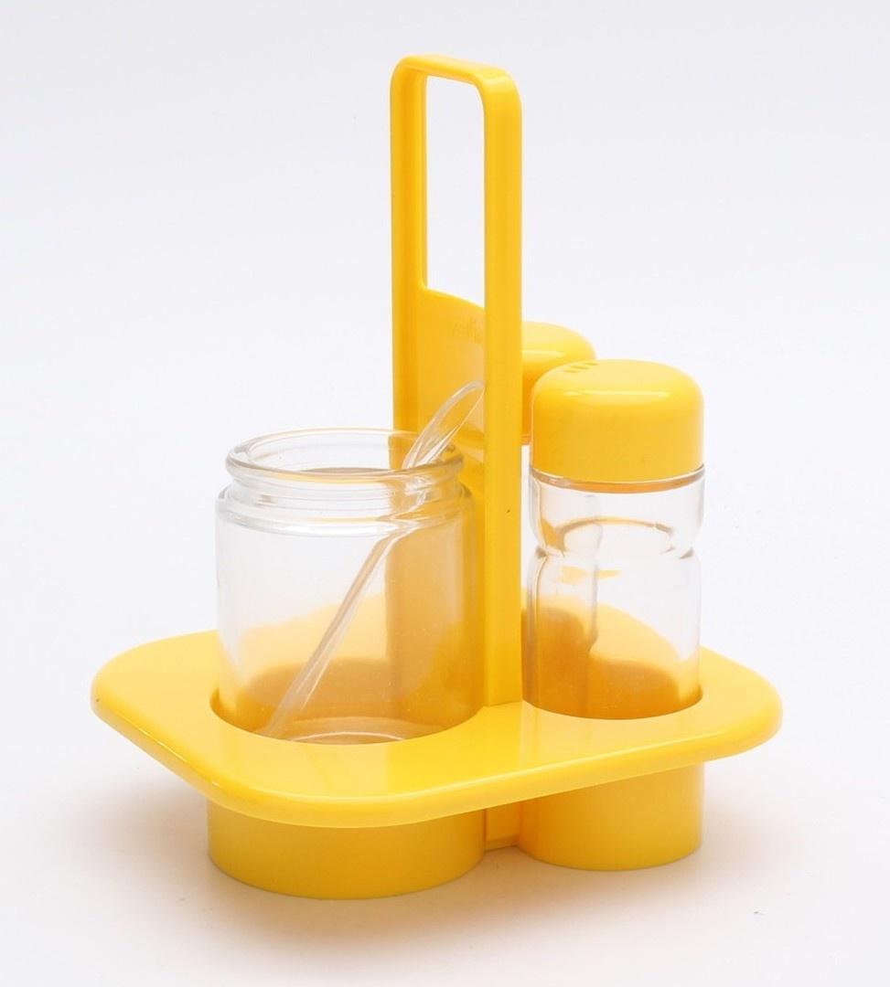 Kořenky v plastovém držáku