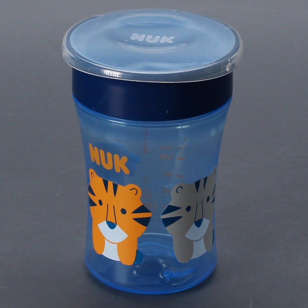 Nevylévací hrníček Nuk Magic Cup