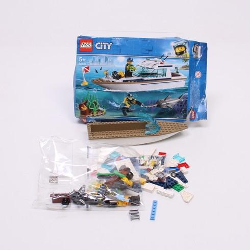 Stavebnice Lego City 60221 Potápěčská jachta