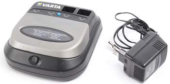 Nabíječka baterií Varta multi comfort 57041