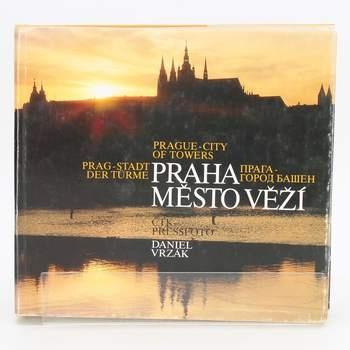 Kniha Praha město věží