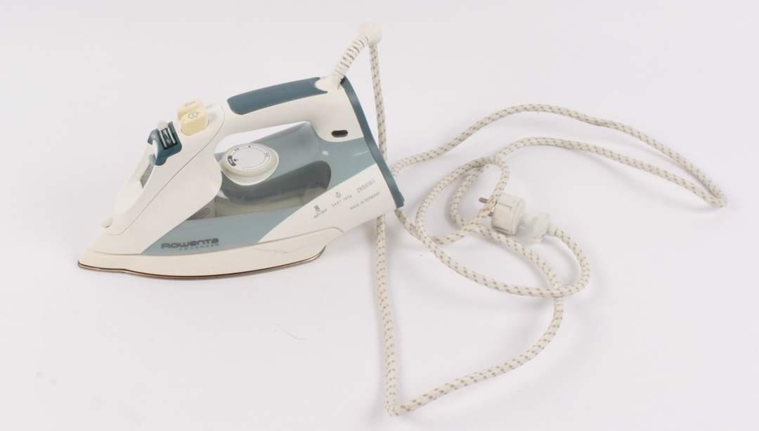Žehlička Rowenta DZ 9110