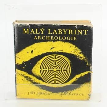 Kniha Malý labyrint archeologie