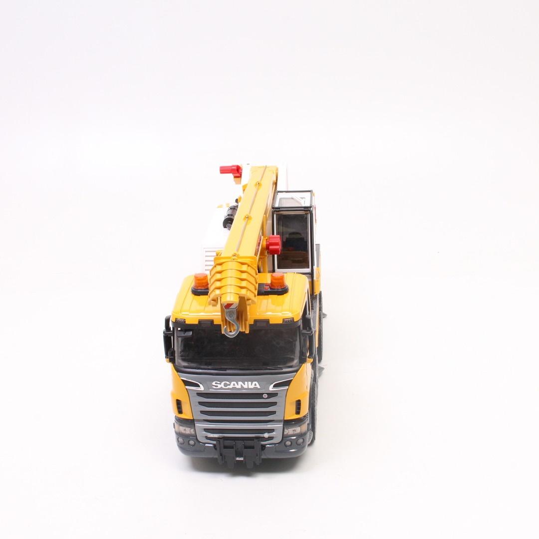 Autojeřáb Bruder žluté barvy