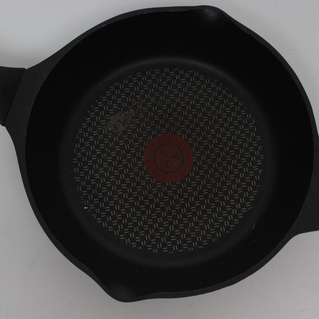 Pánev Tefal Aroma E21504 černá