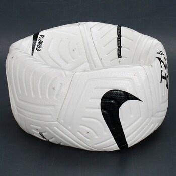 Fotbalový míč od značky Nike