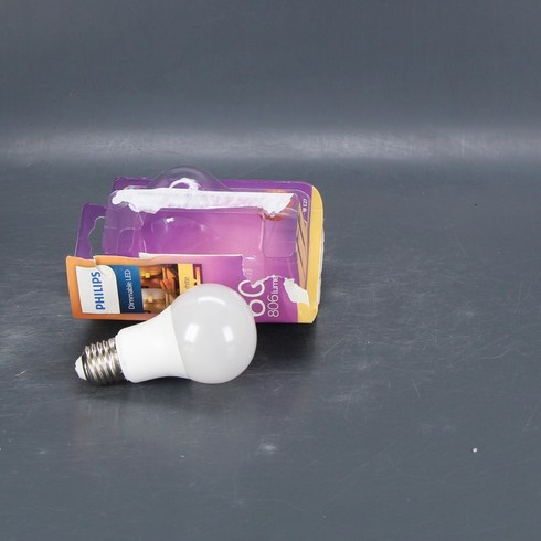 LED žárovka Philips A60 stmívací