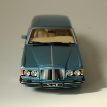 Model auta GT Spirit Bentley Turbo-R GT782