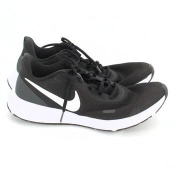 Pánské běžecké boty Nike Revolution 5