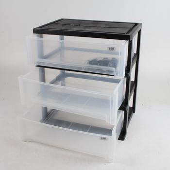 Plastový černý regál na kolečkách