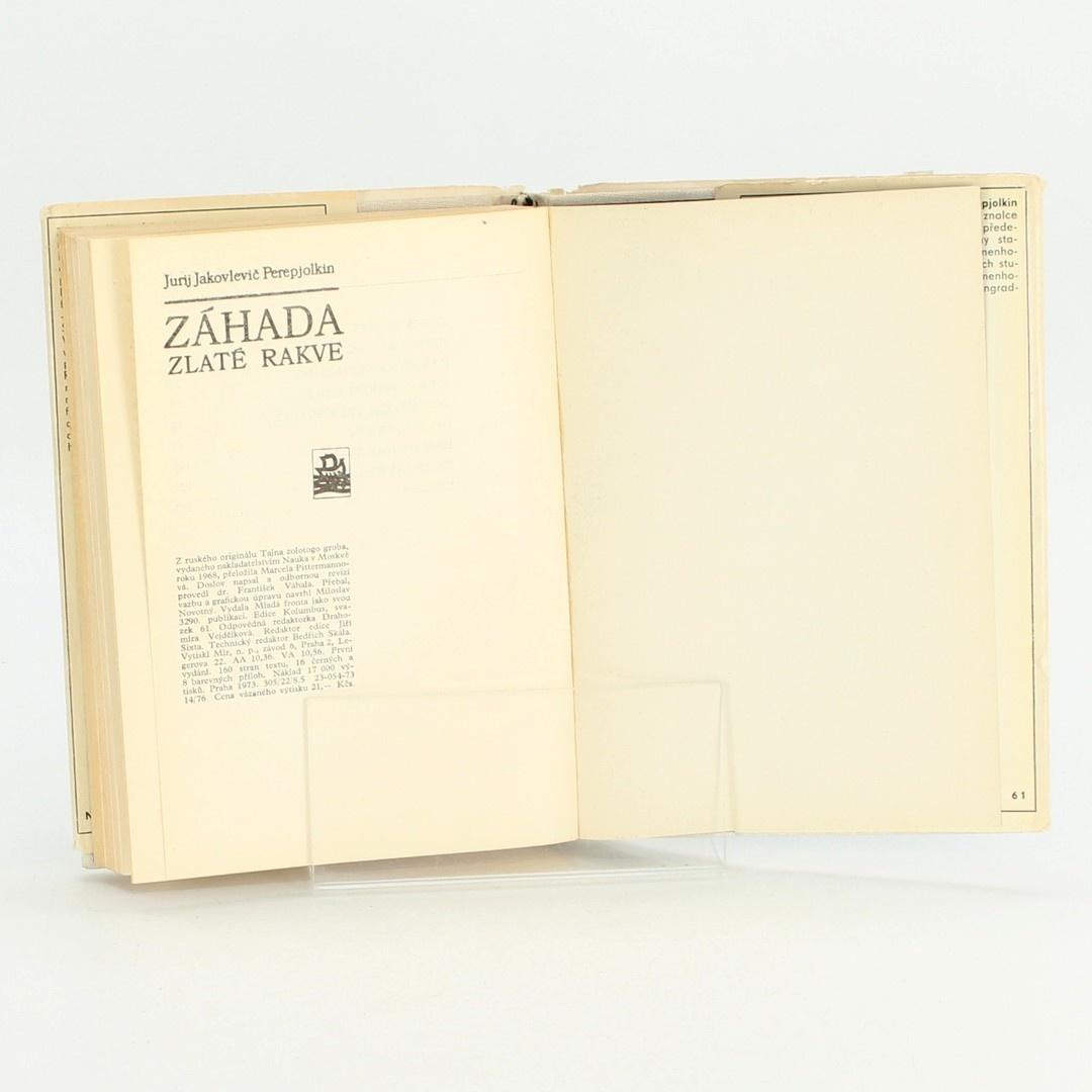 Kniha Záhada zlaté rakve J.J. Perepjolkin