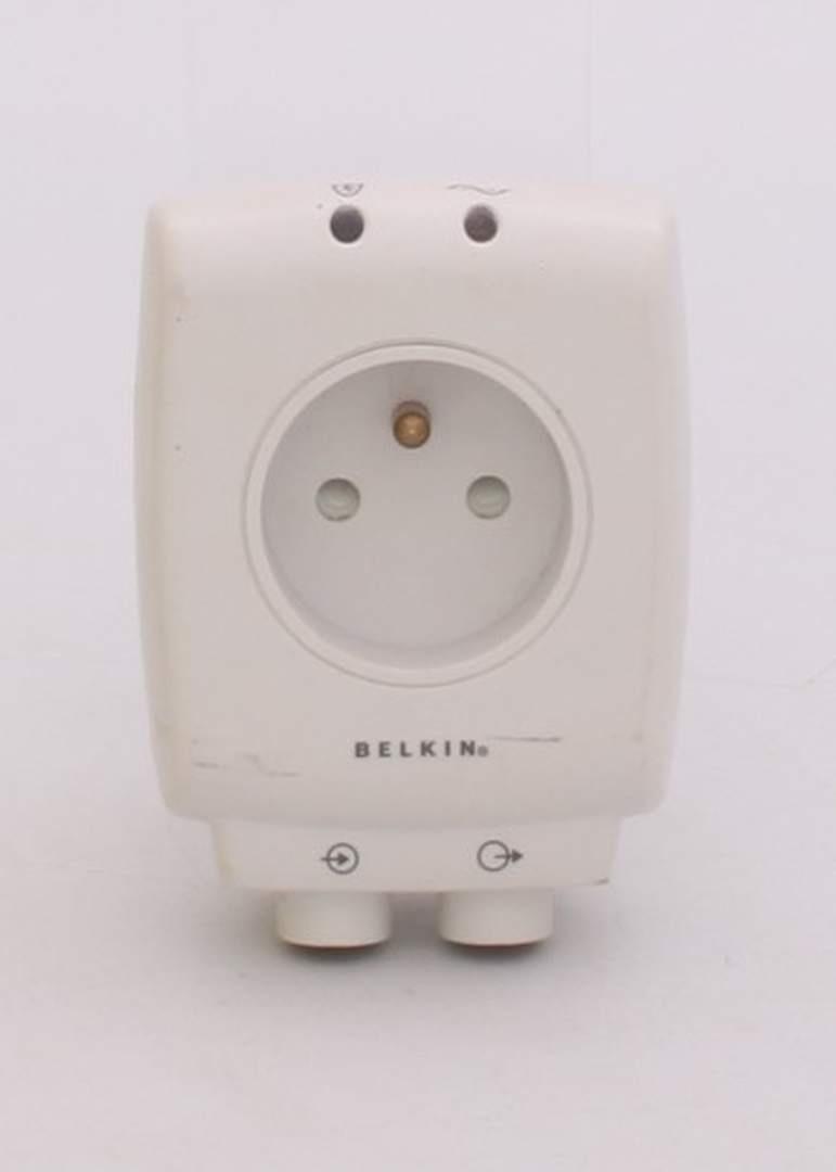 Přepěťová ochrana Belkin F9H102VEXCW