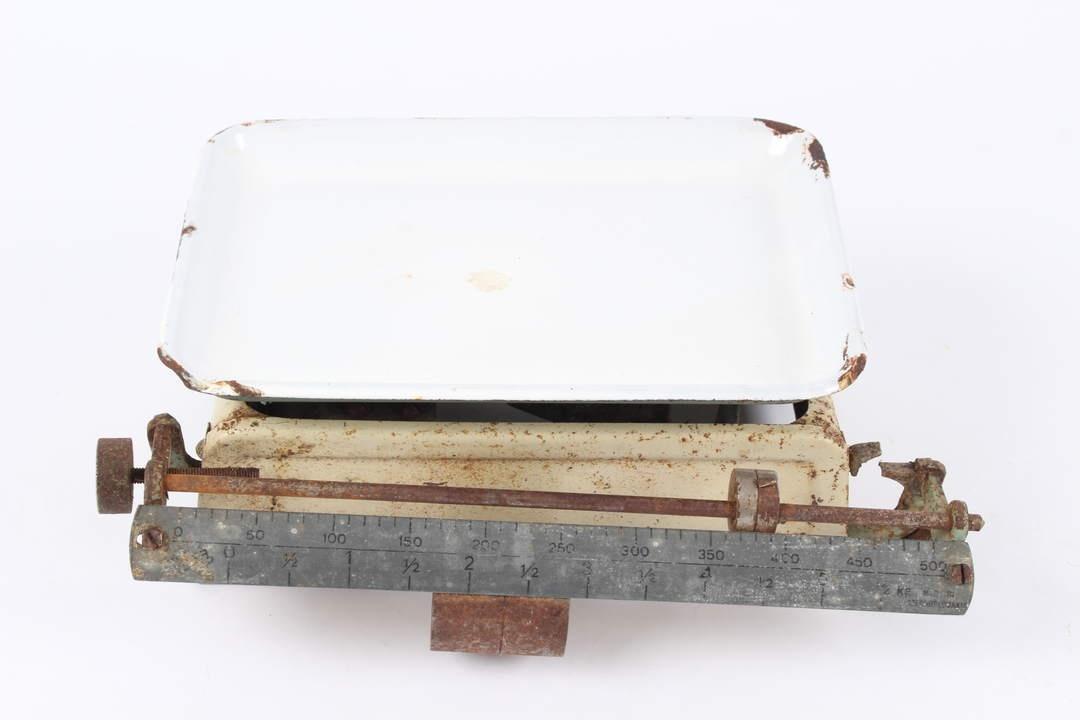 Kuchyňská kovová váha mechanická