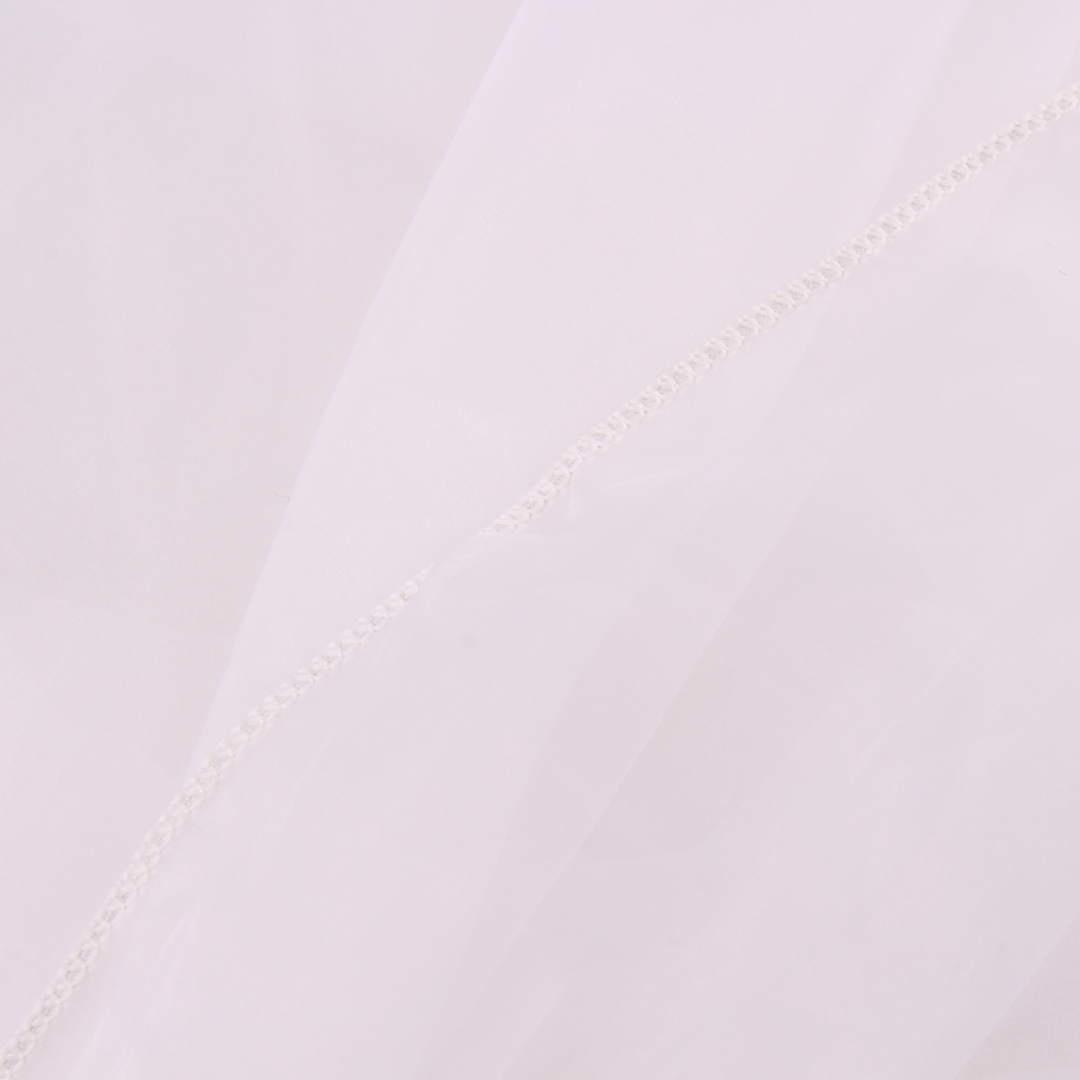 Bílá záclona bez vzoru