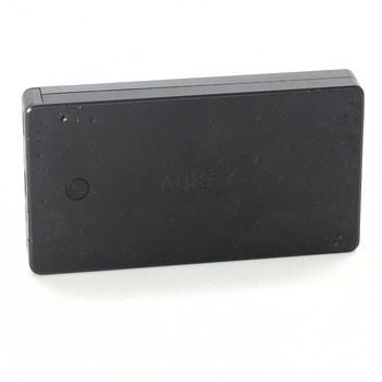 Powerbanka značky Aukey černé barvy