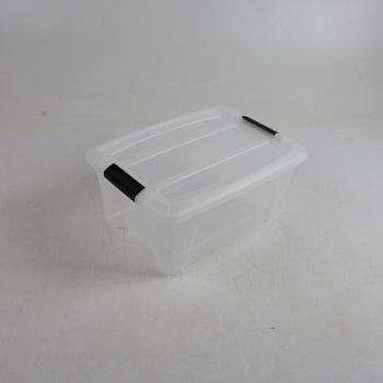 Plastový box s černými úchyty