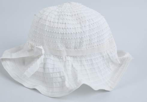 Dámský bílý klobouk s mašličkou