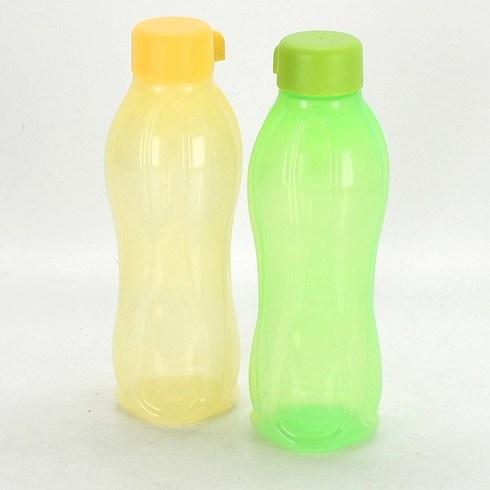 2 ks plastových lahví žlutá a zelená