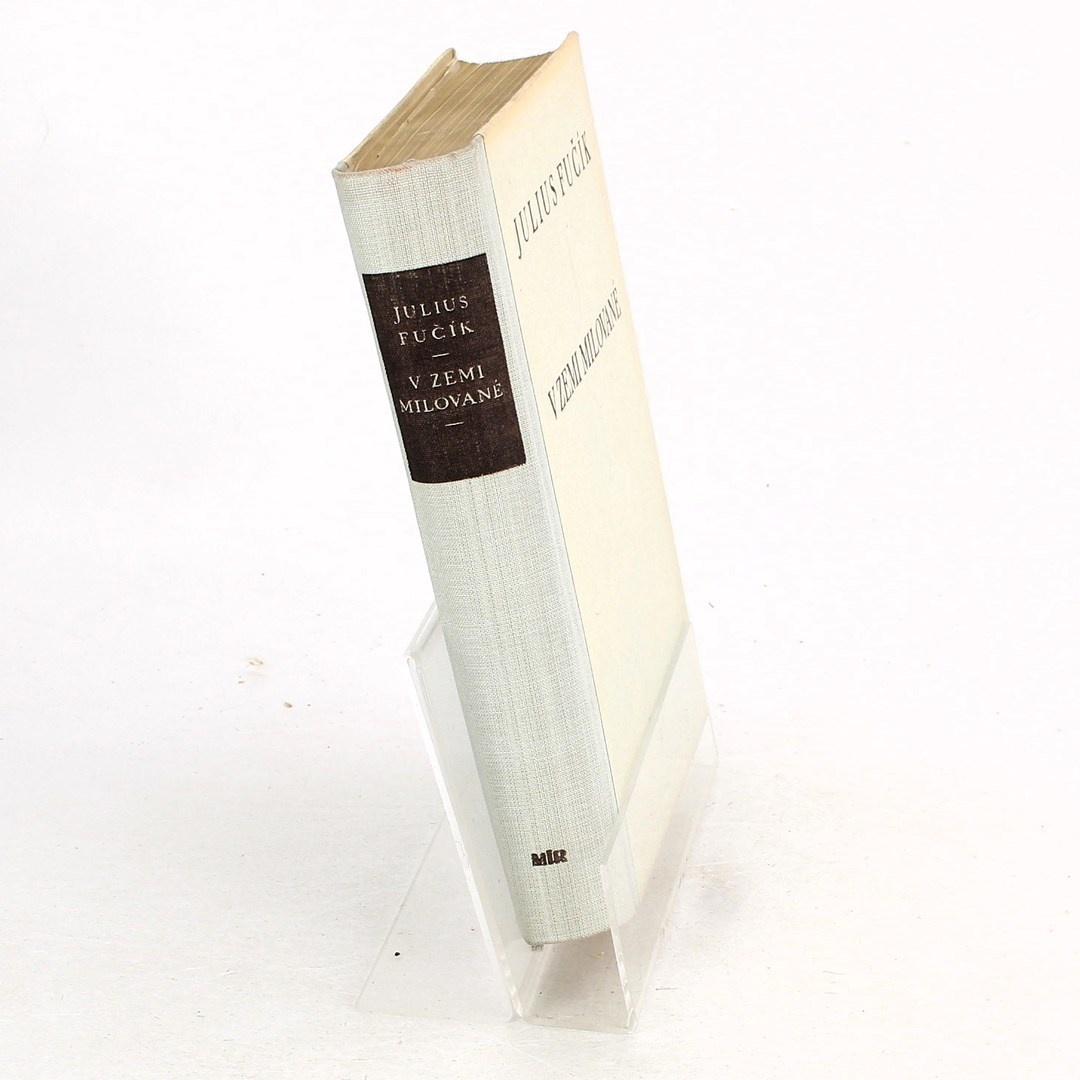 Kniha V zemi milované