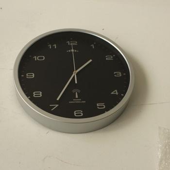 Nástěnné hodiny Deuba 101558