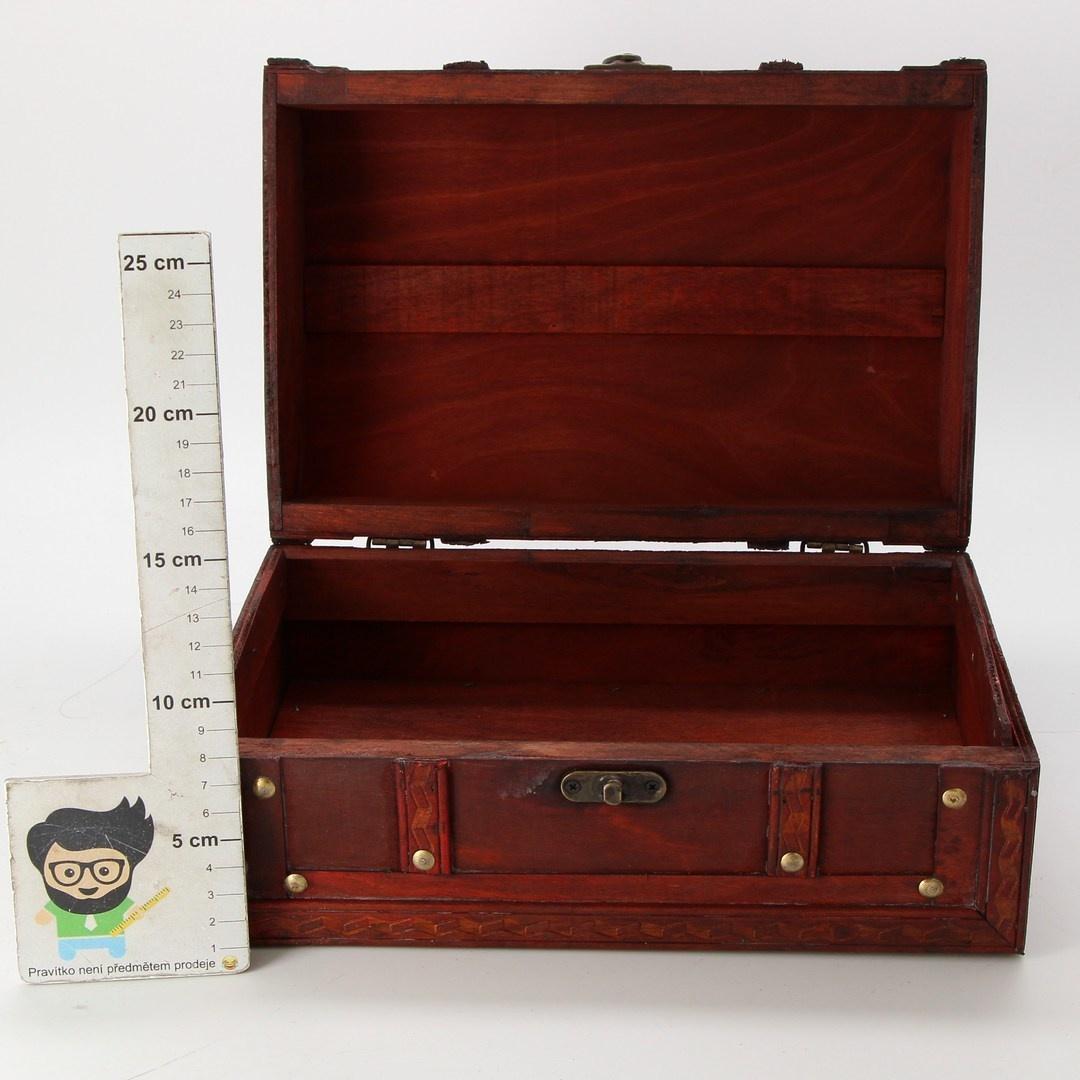 Dřevěná truhla Harvest HD 86002 se zdobením