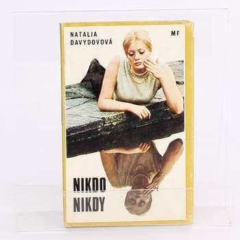 Román Nikdo nikdy Natalja Davydovová