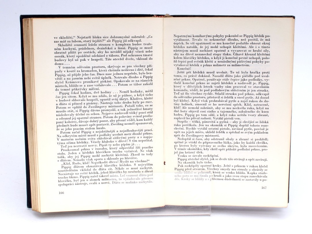 Kniha Nahý mezi vlky Bruno Apitz